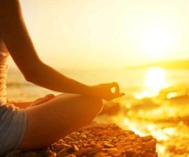 méditation couché de soleil