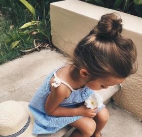 petite fille qui s'aime