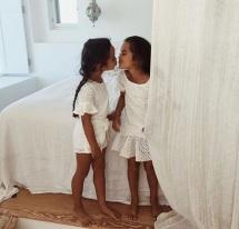 petites filles qui s'aiment