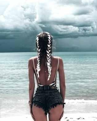 femme seule plage